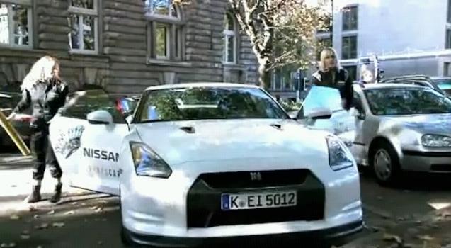 Nissan_gtr_porsche_killer_marketi_2